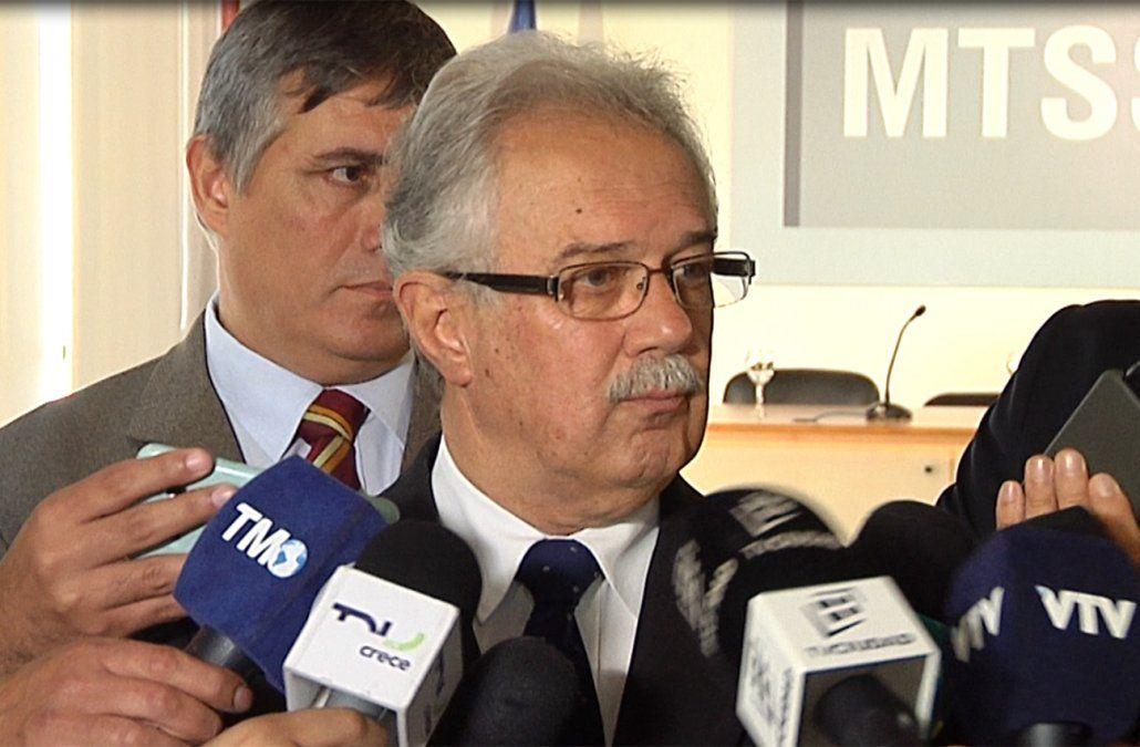 Carta de renuncia de ministro de Defensa confirma que avisó a Presidencia sobre confesión de Gavazzo