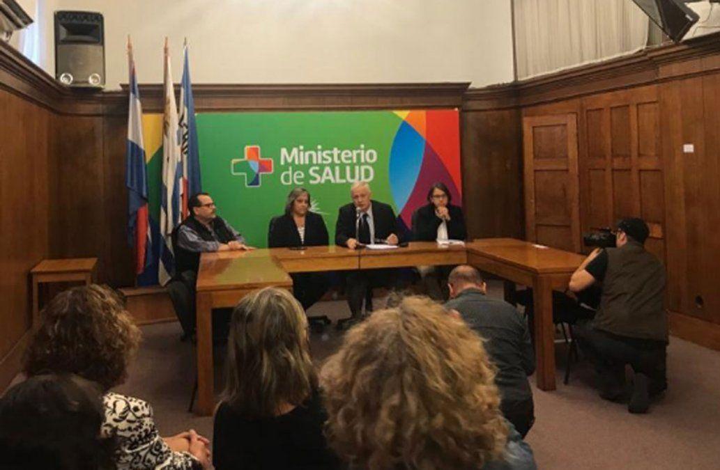 Foto: publicada por el MSP en Twitter. Conferencia de prensa con anuncio sobre caso de sarampión en Uruguay.