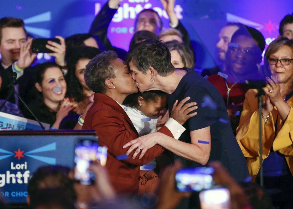 Por primera vez una mujer lesbiana y afroamericana es electa como alcaldesa de Chicago.