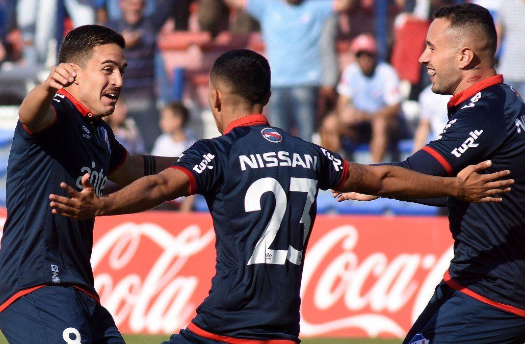 Nacional goleó 6-0 a River Plate y acumula su tercera victoria consecutiva