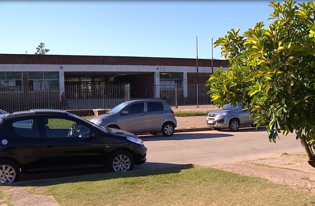 Sindicato de profesores denuncia caso de abuso policial en liceo 39