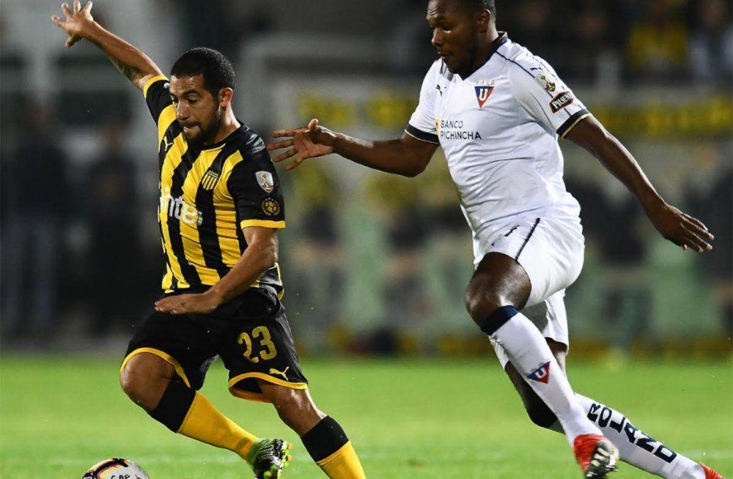 Peñarol derrotó a Liga de Quito y está más cerca de la clasificación a octavos