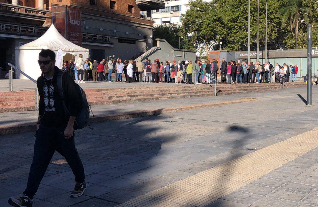 Vacunatorios móviles en la Intendencia de Montevideo contra la gripe y el sarampión