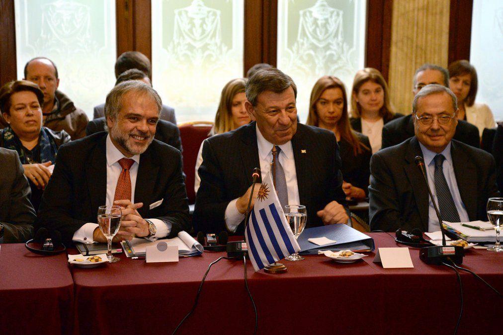 El canciller Nin Novoa el 11 de mayo de 2016 en una reunión del consejo de TIFA-Estados Unidos-Uruguay. El acuerdo fue suscrito en 2007
