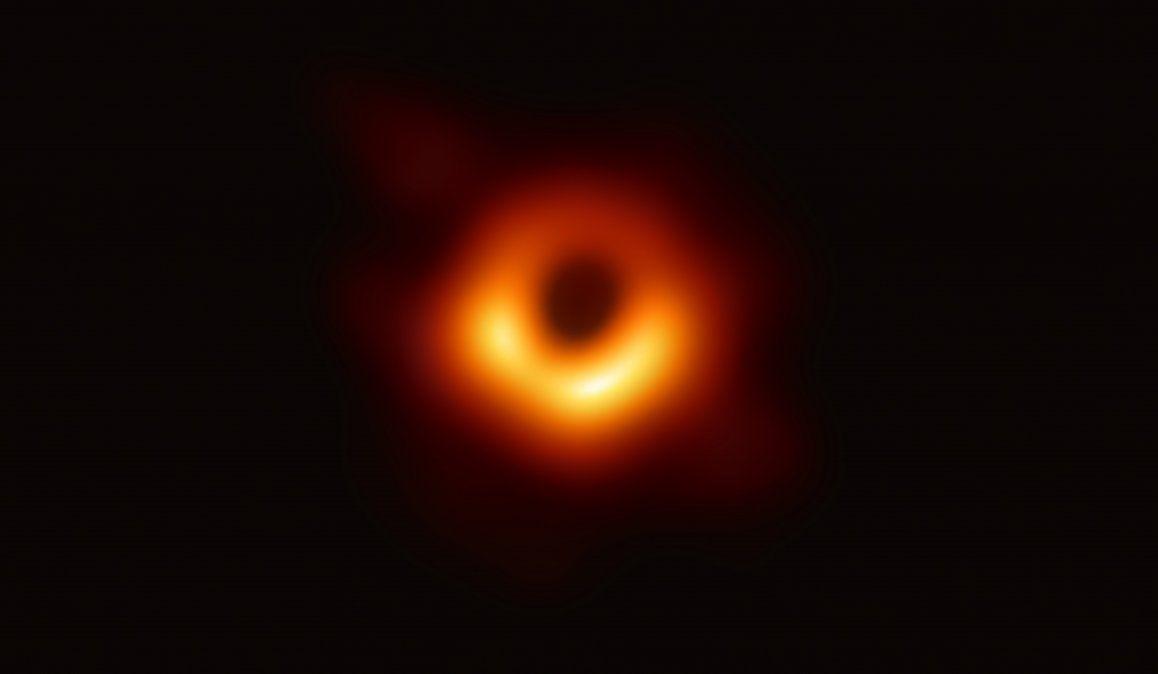 Por primera vez los científicos logran la imagen de un agujero negro