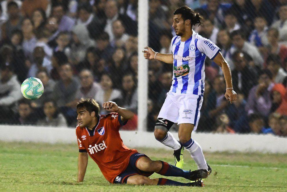 Nacional y Cerro Largo empataron 2 a 2 en emocionante partido en Melo