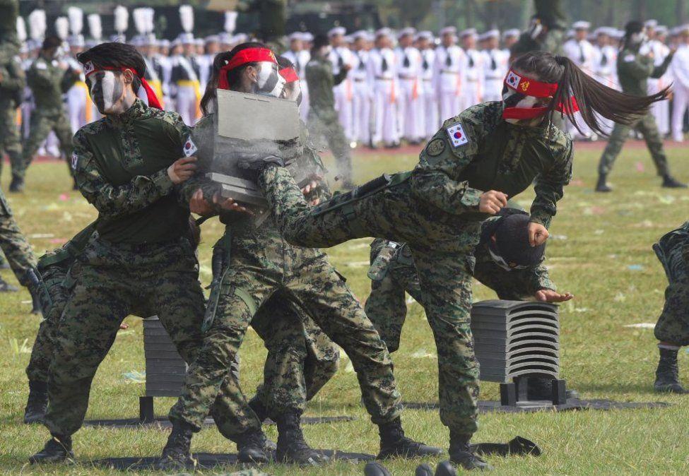 La triple pena a la que se enfrentan los soldados gays en Corea del Sur