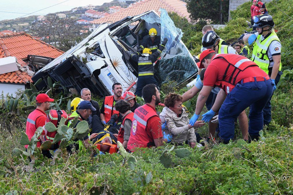 29 turistas alemanes mueren en accidente en la isla portuguesa de Madeira.