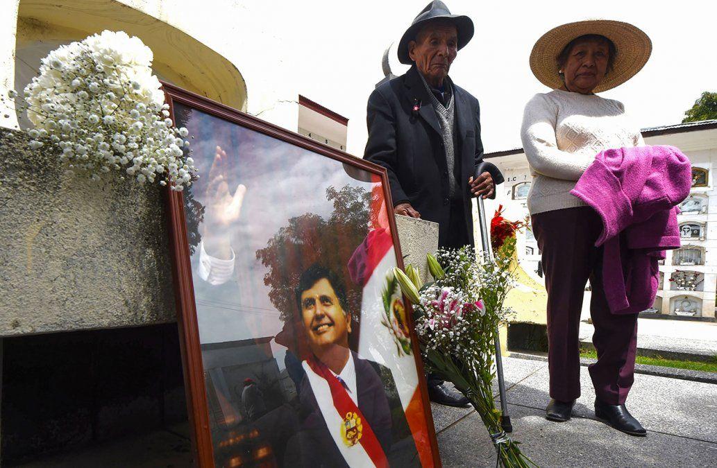 Ocho personas mueren en accidente cuando acudían al sepelio de Alan García en Perú