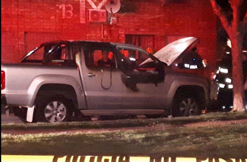 La camioneta donde fueron hallados los cuerpos quemados el 30 de marzo.