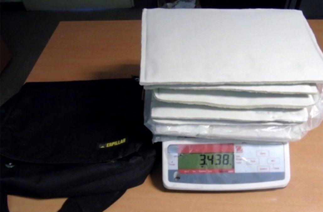 Condenan a un peruano que pretendió ingresar más de 7 kilos de cocaína en su equipaje