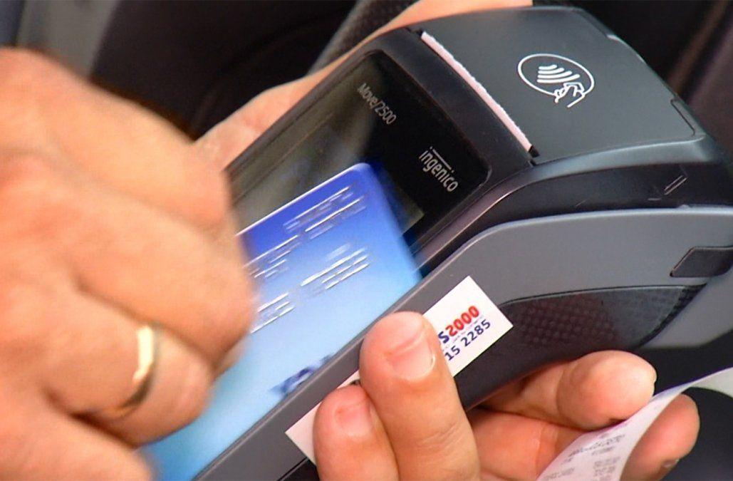 Desde el 1º de agosto todas las oficinas públicas deberán aceptar pagos con tarjetas de débito o crédito