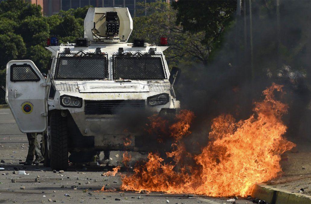 Servicios de salud reportan 69 heridos durante rebelión cívico militar en Venezuela