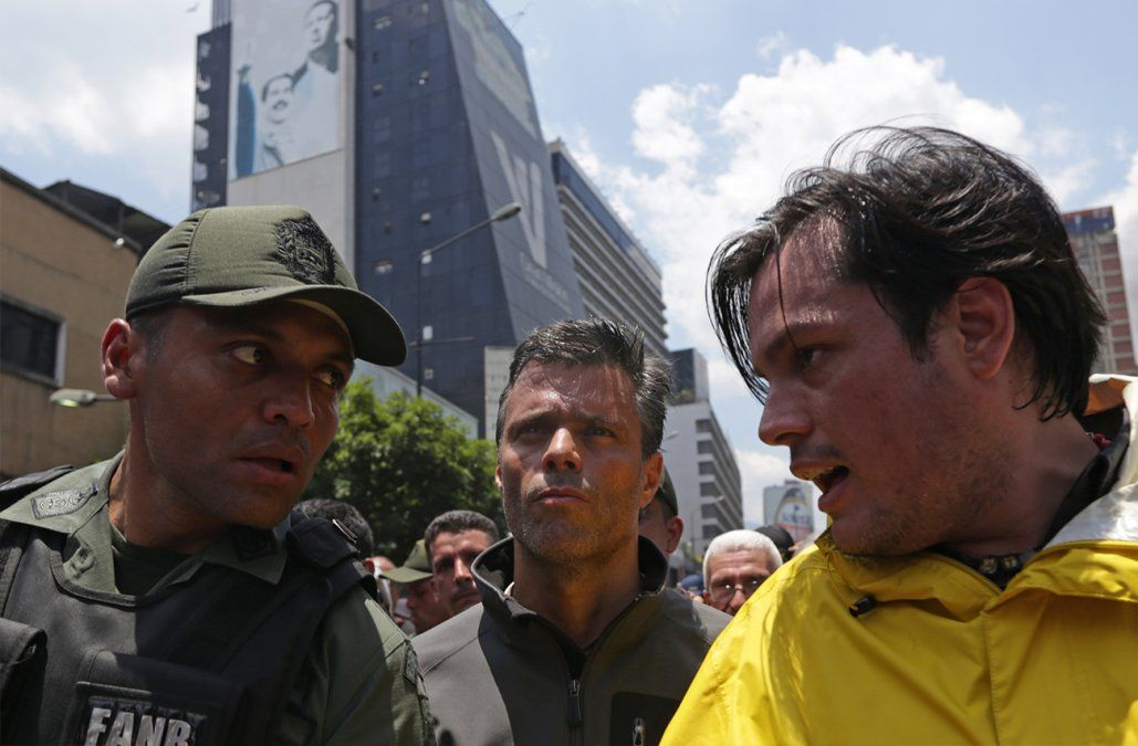 Leopoldo López dejó la embajada chilena y se trasladó a la española