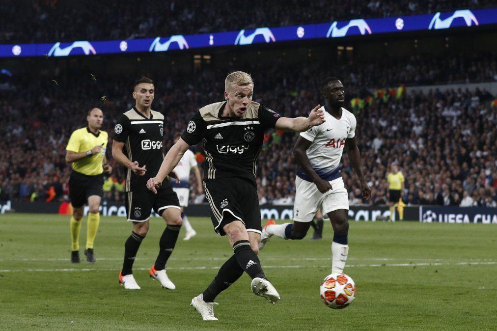 Donny Van de Beek abre el marcador para Ajax ante el Tottenham. La semana que viene habrá revancha entre los dos equipos sorpresa de la Champions League