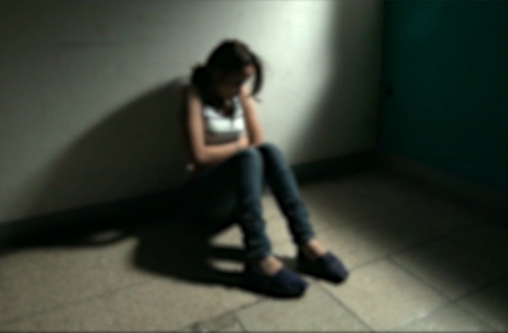 Adolescente le relató a la adscripta que era abusada por su padre y la madre no le creyó