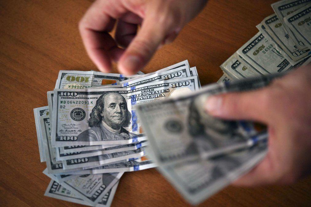 Banco Central salió a ponerle  techo al dólar y vendió US$ 75,9 millones