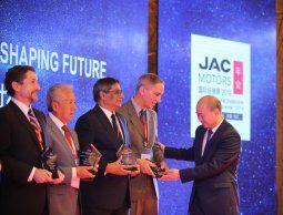 altText(JAC Motors Uruguay distinguido como mejor distribuidor global)}