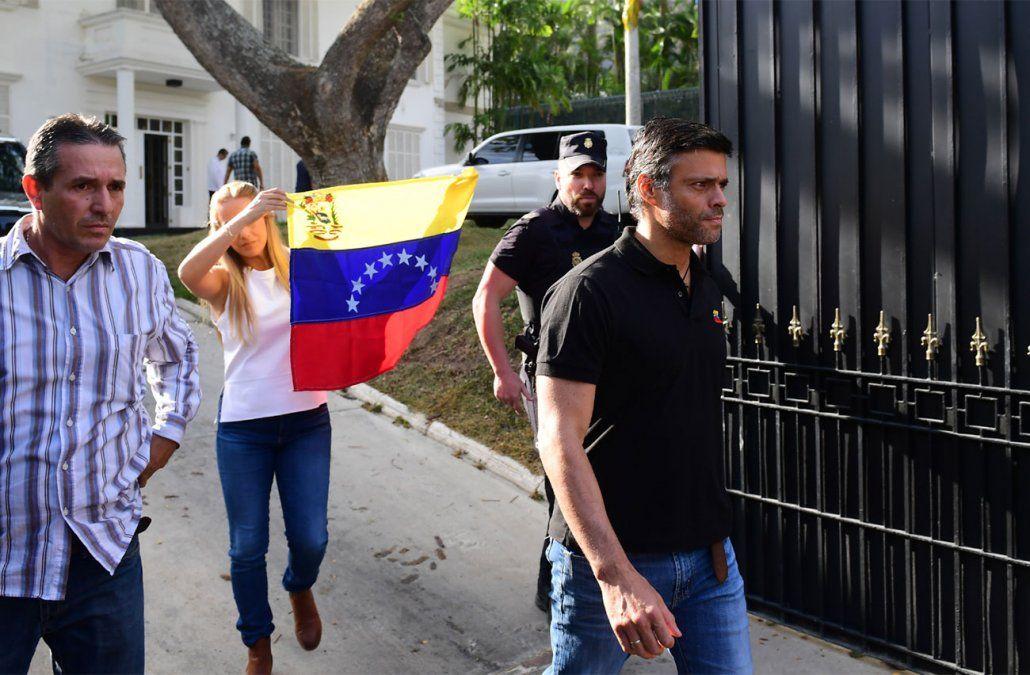 España mantiene a Leopoldo López en su embajada y se niega a entregarlo