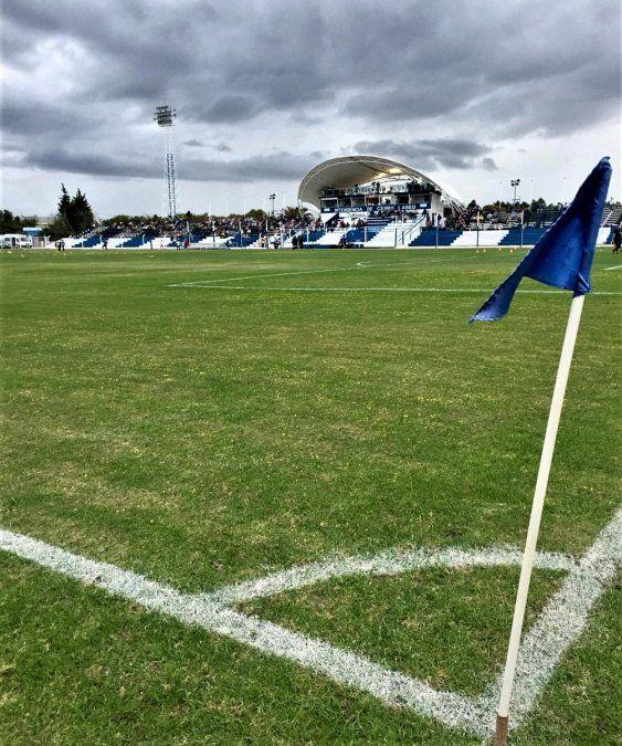 Cerro Largo ganó de local por 2-0 contra Fénix y cerraron la fecha 11 del Apertura en Melo