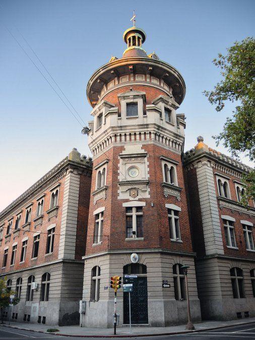 Entrada del Cuartel Centenario