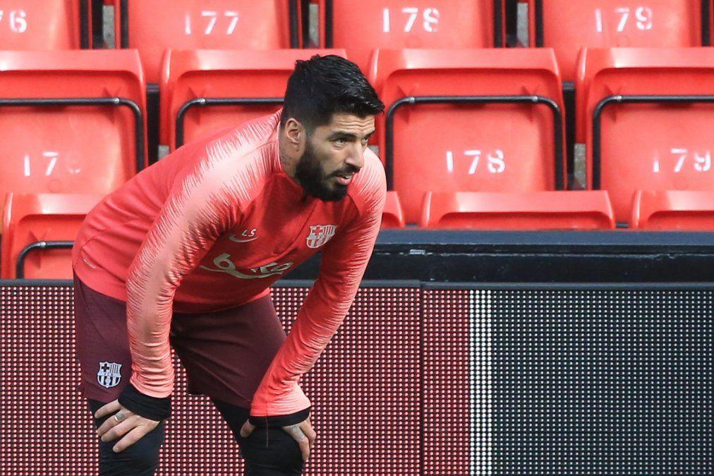 Luis Suárez juega un partido muy especial. Ya marcó en Camp Nou