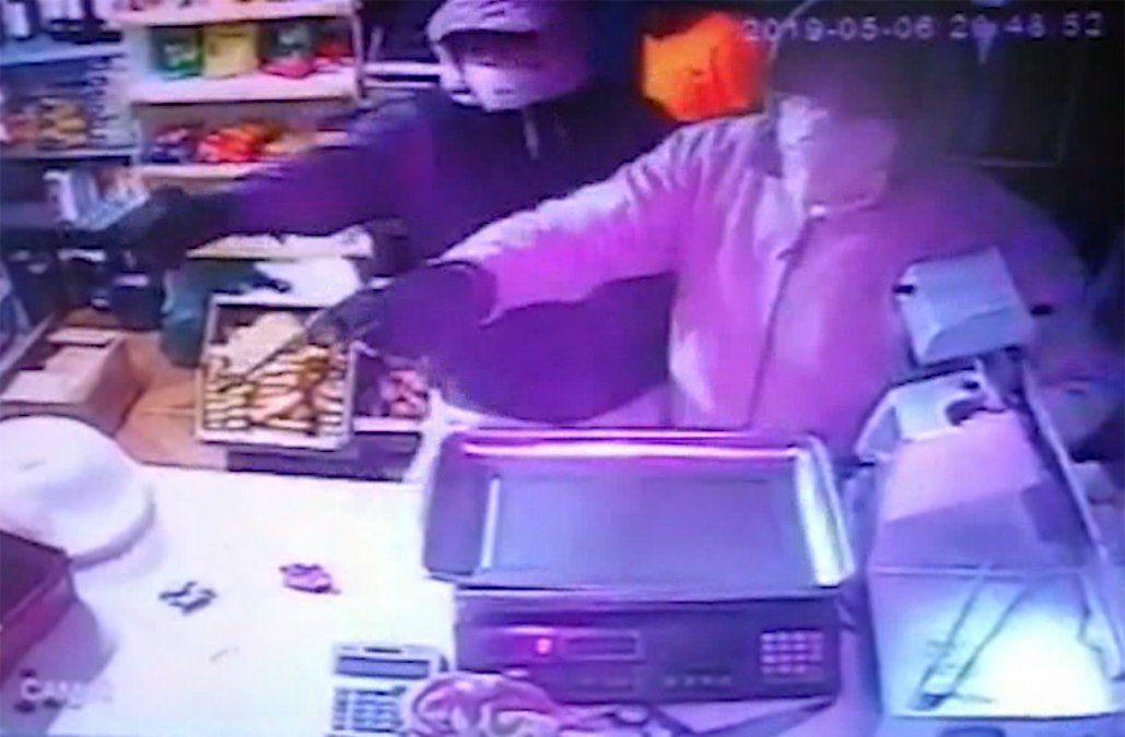 Denuncian ola de rapiñas en balnearios de Rocha; un comerciante resultó herido