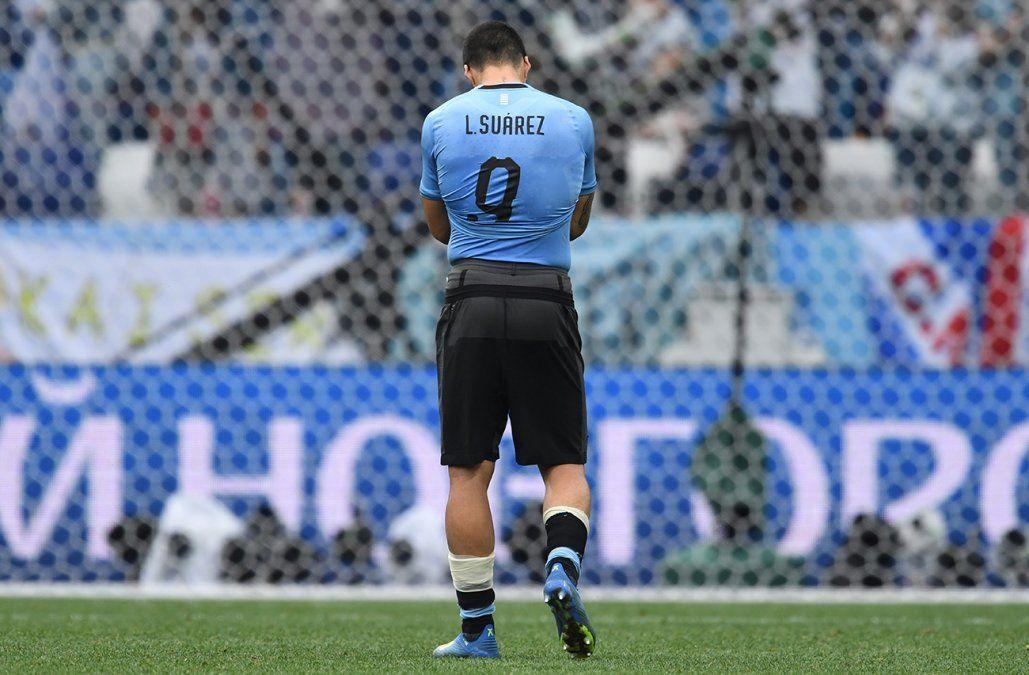 Suárez operado de una rodilla siembra dudas a un mes de la Copa América