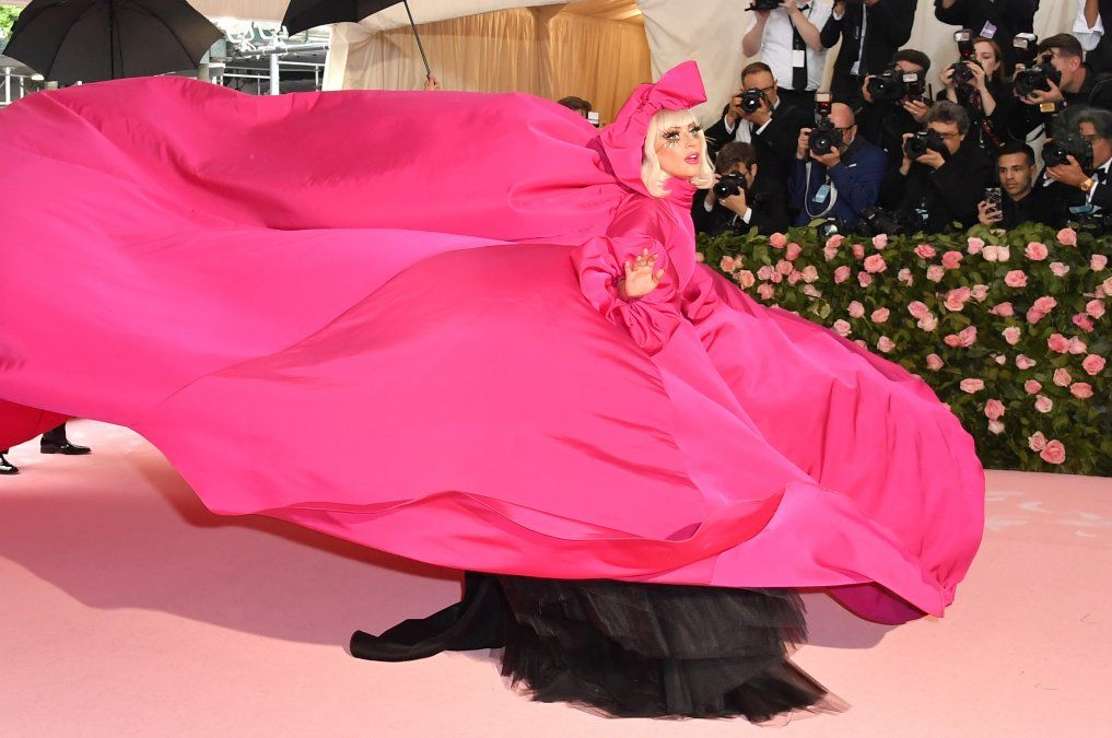 La cantante y actriz Lady Gaga llega a la gala del MET en Nueva York