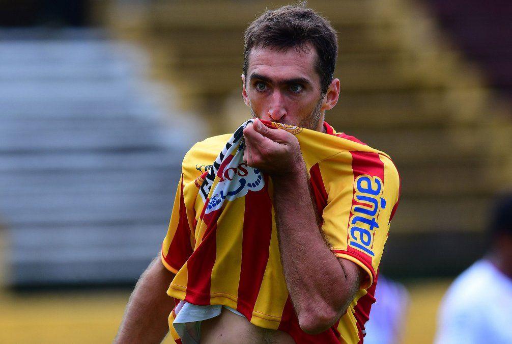 Alles celebra el segundo gol de Progreso ante Fénix