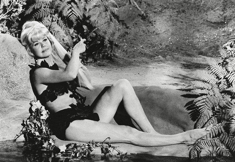 Dorys era considerada la virgen de Amèrica en los cánones del Hollywood de los años 40 y 50. Pero en su vida personal se casó cuatro veces y tuvo una intensa vida por fuera de ese personaje