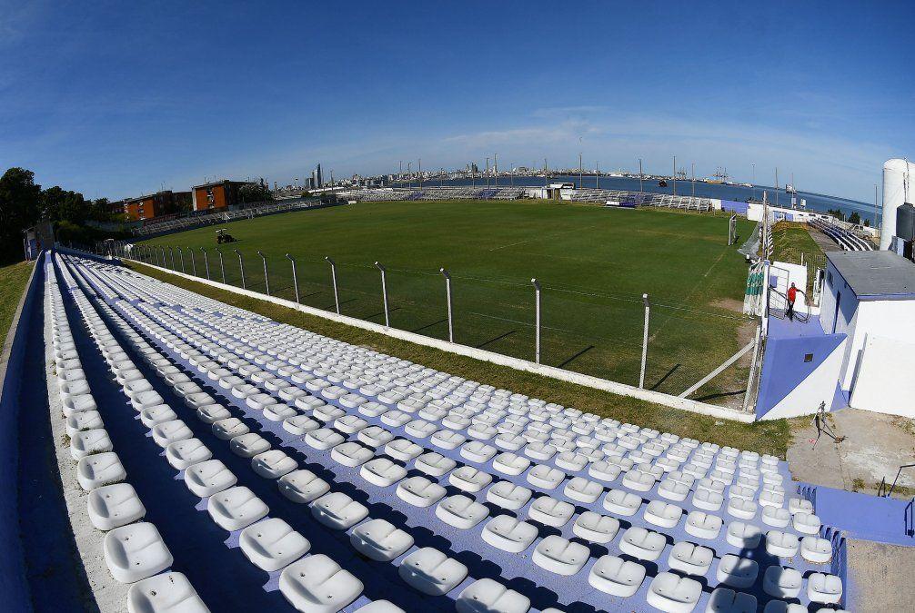 Fénix quiere cobrar $ 1.250 la entrada al Parque Capurro a  hinchas de Peñarol