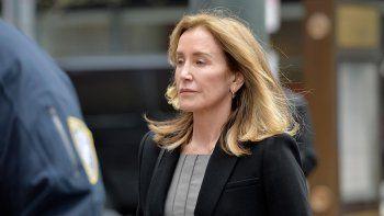 Felicity Huffman pasará 14 días en prisión por sobornos para entrar a la universidad