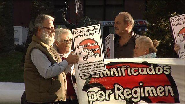 El colectivo autodenominado Cincuentones presentó recursos ante la justicia para derogar la ley de 1996 que consagro el régimen mixto durante el segundo gobierno de Julio Sanguinetti.