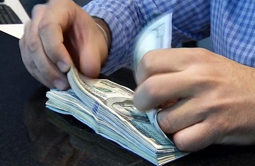 Banco Central vendió en 10 días U$S 380 millones para moderar la suba del dólar