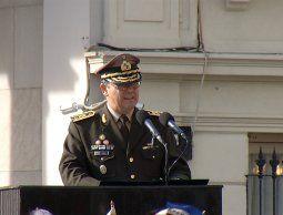 Feola rechazó excesos y desvíos del pasado en acto de Día del ejército