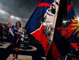 PSG goleó 4-0 a Dijon con gol de Cavani y celebró el título de Liga de Francia