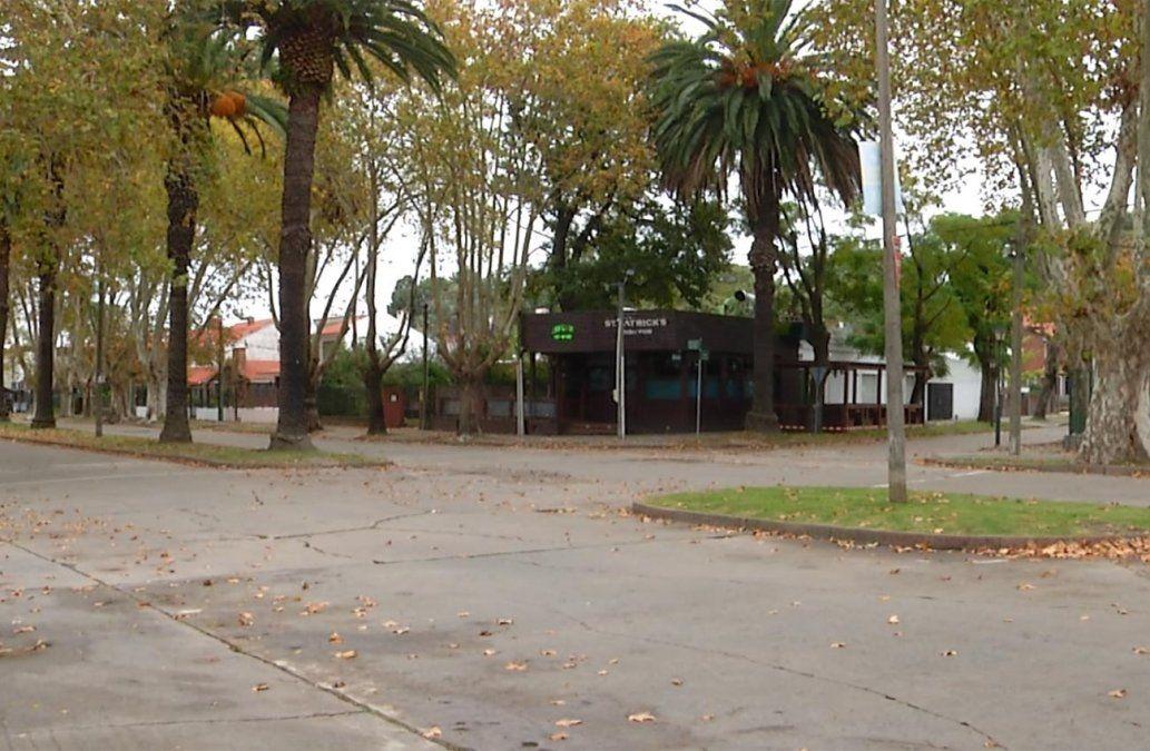 Tres delincuentes asaltaron un pub en el Prado donde cenaban efectivos policiales