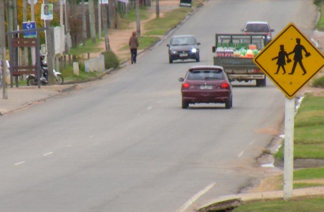 Accidente de tránsito entre una moto y un auto dejó como saldo dos heridos