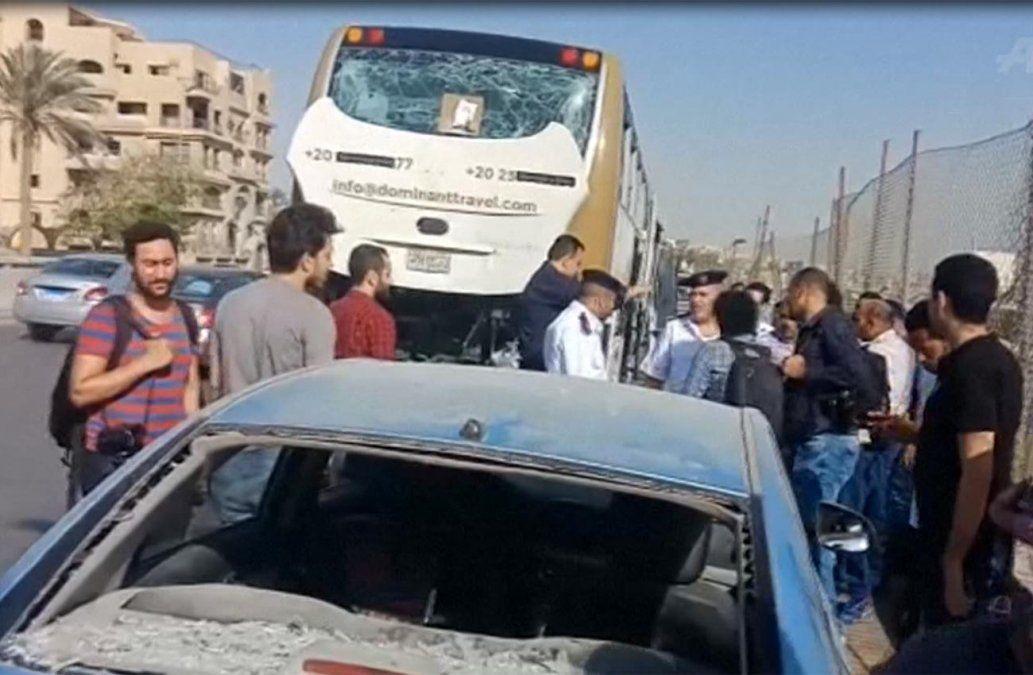 Al menos 17 heridos en atentado contra turistas en El Cairo cerca de pirámides