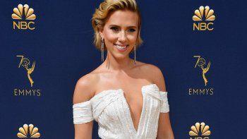 Se casa por tercera vez Scarlett Johansson: ahora, con un cómico de Saturday Night Live
