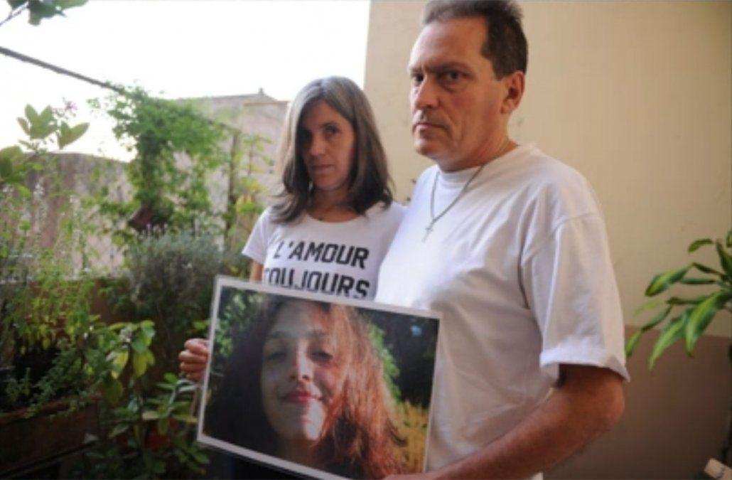 Foto: Los padres de Lola Chomnalez (Clarin).