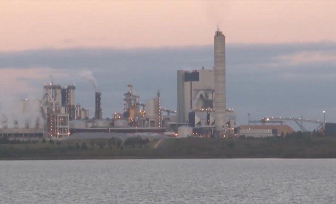 En medio de negociaciones por la segunda planta, trabajadores de UPM están en conflicto