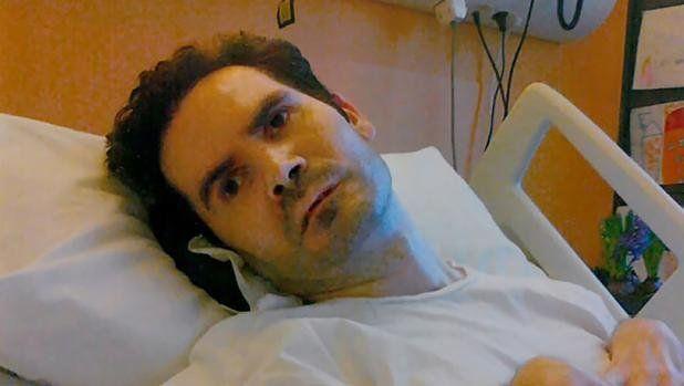 vincent Lambert nació en 1976. Era enfermero psiquiátrico. Sufrió un accidente de moto q¡ue lo dejó en estado vegetativo