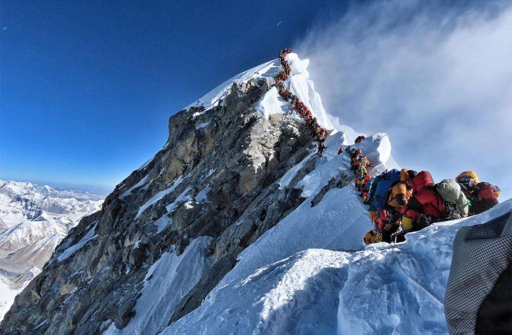 ¿Qué pasa en el Everest que han muerto 10 montañistas en una semana?