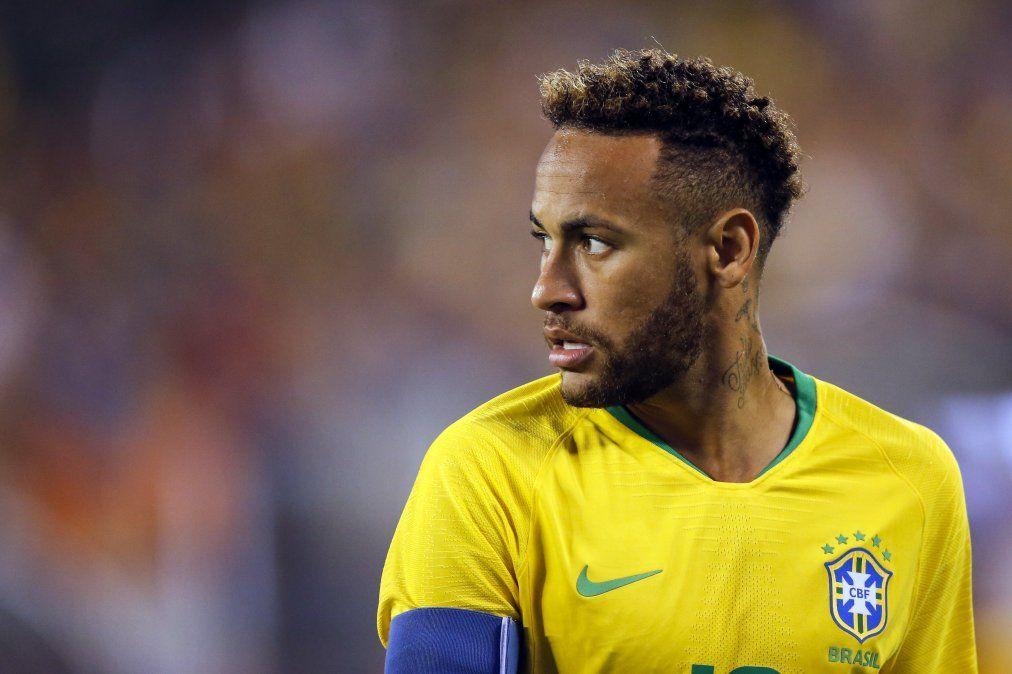 Neymar fue acusado de violar a una mujer en Paris, y dice que lo están extorsionando