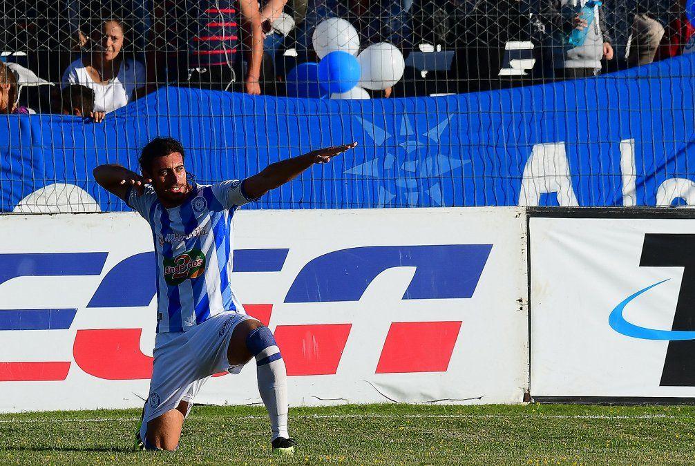Cerro Largo le ganó a Peñarol en el cierre de la 15a fecha