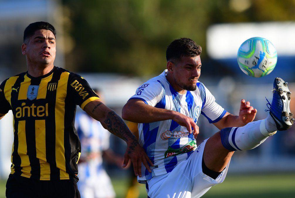 Peñarol pierde en la última fecha de Apertura;  Fénix se consagró vicecampeón