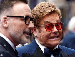 Elton John criticó la censura en Rusia de escenas de sexo en el film sobre su vida