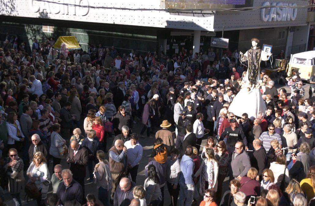 Multitudinaria procesión en Florida para celebrar los 134 años de San Cono